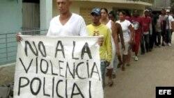 """""""Abajo Fidel"""" en Santiago de Cuba"""