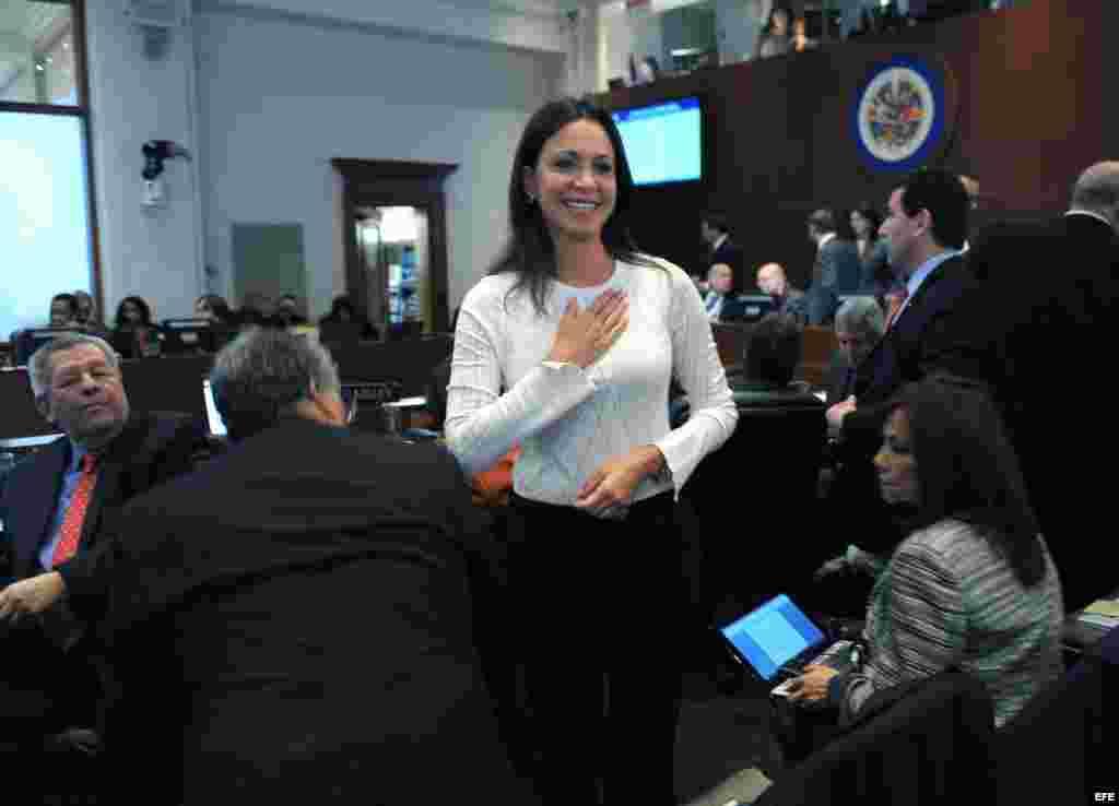 La diputada opositora venezolana Maria Corina Machado asiste hoy, viernes 21 de marzo de 2014, a la sesión ordinaria del Consejo Permanente de la Organización de Estados Americanos (OEA) en Washington, DC.
