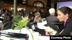 Yoani en el Foro de Estocolmo. Foto tomada del Twitter del Julio César Soler, de Misceláneas de Cuba.