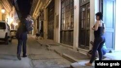 """Imágenes del """"performance"""" donde un doble de Obama se pasea por La Habana."""
