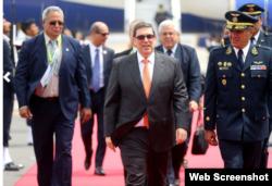 Canciller Bruno Rodríguez, arriba al Aeropuerto Internacional de Lima, Perú