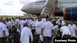 Médicos cubanos.