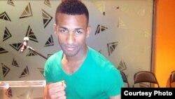 Rancés Barthelemy, invicto boxeador cubano, está a un paso de pelear por la corona mundial profesional en el peso super-pluma.