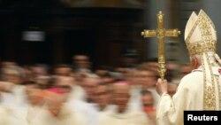La Misa Crismal en la Basilica San Pedro en el Vaticano.