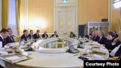 Encuentro de delegación cubana en Rusia.
