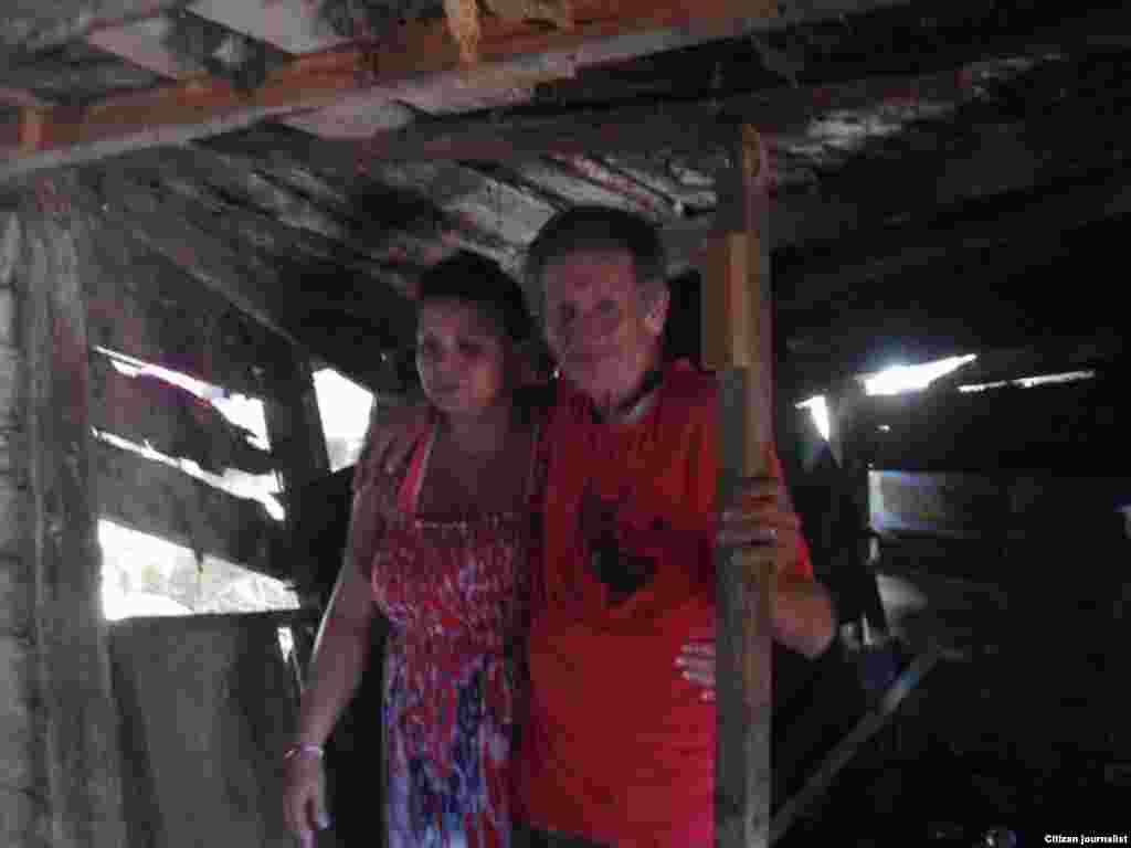 Jorge A. Barroso Gómez, junto a su hija. Fotos: Jorge Bello.
