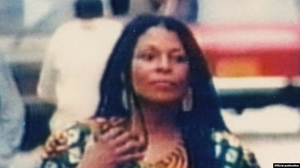 La fugitiva estadounidense Joanne Chesimard, refugiada en Cuba.