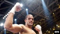 Yoan Pablo Hernández, campeón peso crucero de la Federación Internacional de Boxeo.