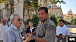 Eusebio Leal y Bill Richardson en La Habana Vieja