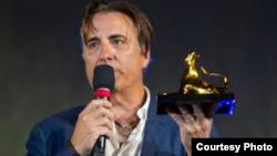 Andy García recibe el Leopard Club Award del Festival de Locarno, Suiza.