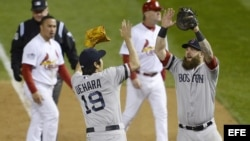 Integrantes de Boston Red Sox celebran triunfo Octubre 27/2013.