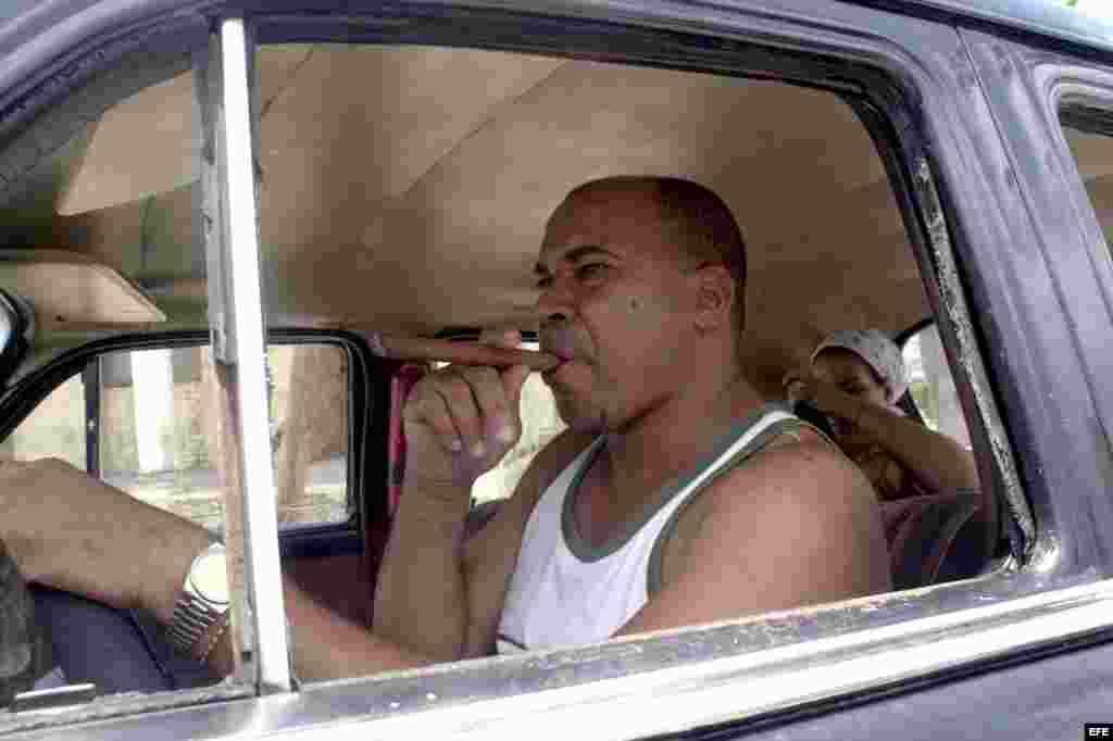 El 31 por ciento de los hombres de Cuba, fuma.