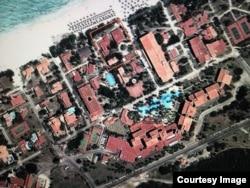 En cuadro rojo la residencia de Raúl Castro en Varadero, Cuba.