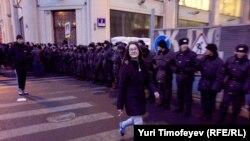 Policías rusas bloquean el acceso en el centro de Moscú