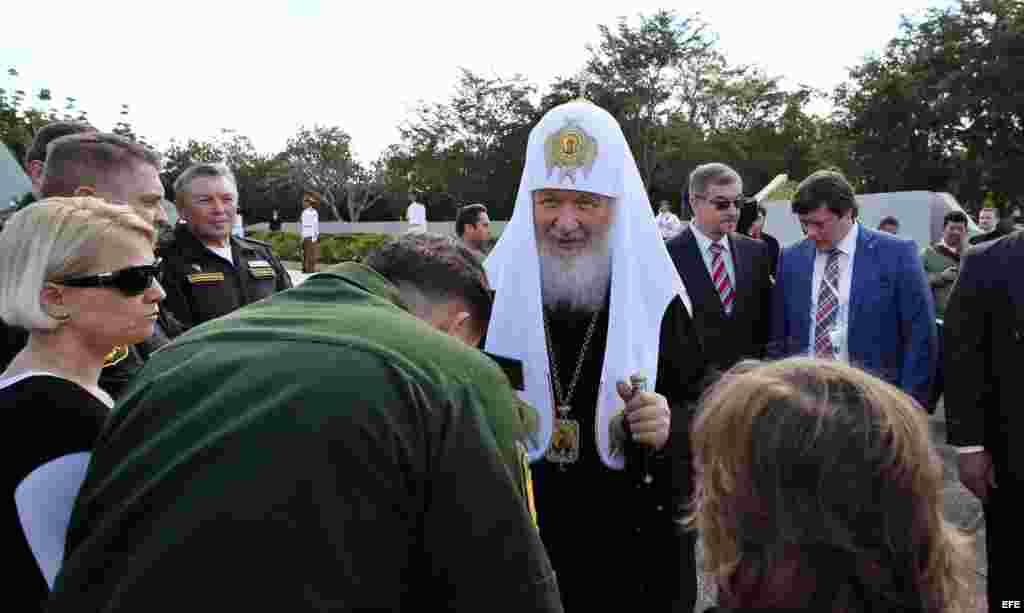 Kirill estuvo acompañado de Caridad Diego, jefa de la Oficina de Asuntos Religiosos del Partido Comunista de Cuba.