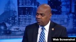 El alcalde de Newark, Ras J. Baraka.