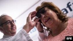 Josefa Jiménez es la paciente número 115 del mundo en recuperar la visión gracias a la innovadora técnica de implante.