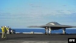 Portavión estadounidense desde donde aterrizan y despegan varios aviones espías no tripulados, conocidos como drones.