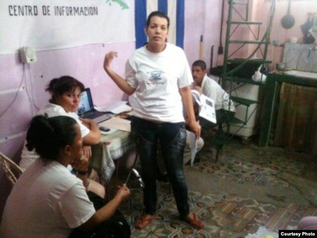 Activistas de FLAMUR reunidas enero 2013