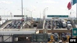 Paso fronterizo en el Puente de Cordova entre EEUU y México. A través de El Paso y Laredo (Texas), Tucson (Arizona) y San Diego (California) han entrado un total de 23.213 inmigrantes cubanos.