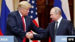 Trump y Putin ofrecen una rueda de prensa conjunta tras cumbre en Helsinki.