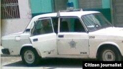 Reporta Cuba. Autos del MININT en los que operan policías en Cuba. Foto: Nacan Videos.