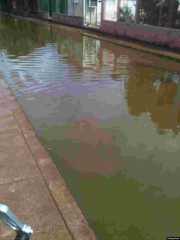 Aguas estancadas en un barrio de Güira de Melena