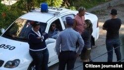 Arrestos y vigilancia policial en Cuba.
