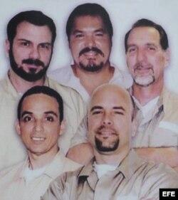 Los cinco agentes.