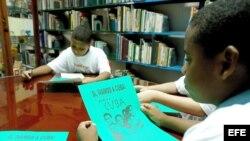 Niños cubanos en la Biblioteca Nacional José Martí, en La Habana (Cuba).