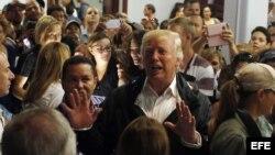 El presidente Donald Trump viaja a P.Rico para ver daños producidos por el huracán María.
