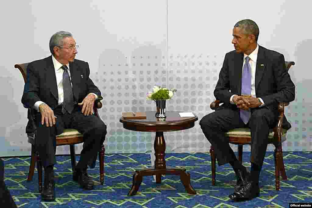 Encuentro de Raúl Castro y Barack Obama.