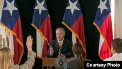 Gregg Abbott, gobernador de Texas.