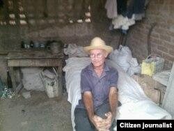 Reporta Cuba. Anciano en Contramaestre. Foto: Yoandris Verane.