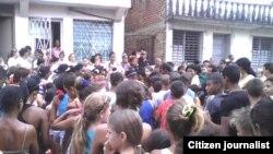 Reporte ciudadano desde Santa Clara muestra celebración del Día de Reyes Magos.