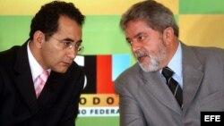 El diputado Joao Paulo Cunha (izq.) en un aparte con el presidente durante el primer mandato de Lula.