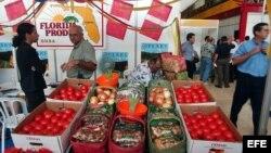 Muestra de productos agrícolas de Tampa, Florida, en la Feria Internacional de La Habana.