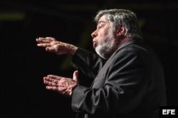 El cofundador de Apple, Steve Wozniak, participa en una conferencia durante el primer día del Foro Tecnológico eMerge Americas.