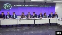 El jefe del Ejecutivo, Mariano Rajoy (c), preside una reunión del Comité Ejecutivo Nacional del PP.