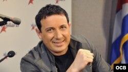Entrevista con el cantante cubano Ley Alejandro