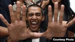 Ilham Anas, un doble indonesio de Obama.