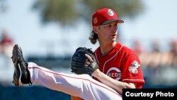 Brewers Reds Spring Baseball Arroyo Bronson