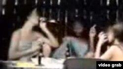 Escena del documental difundido en 2008 por Telecinco sobre la prostitución de menores en Cuba.