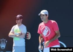 Federer entrena para su encuentro con Struff.