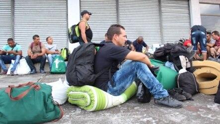 Migrantes cubanos varados en Panamá tendrán al fin una vía para continuar su viaje a Estados Unidos.
