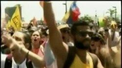 Llaman a más protestas en Venezuela y autoridades ordenan captura de opositor