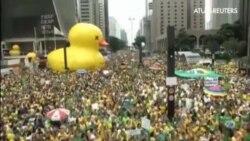En Brasil crece el descontento social