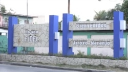 En Arroyo Naranjo, La Habana, cubanos reaccionan antes de asisitir a las Elecciones 2018