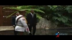 Raúl Castro recibe a Barack Obama